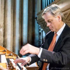 Qui sera au Grand-Orgue le 19 Janvier? C'est David Hirst, un concertiste réputé.